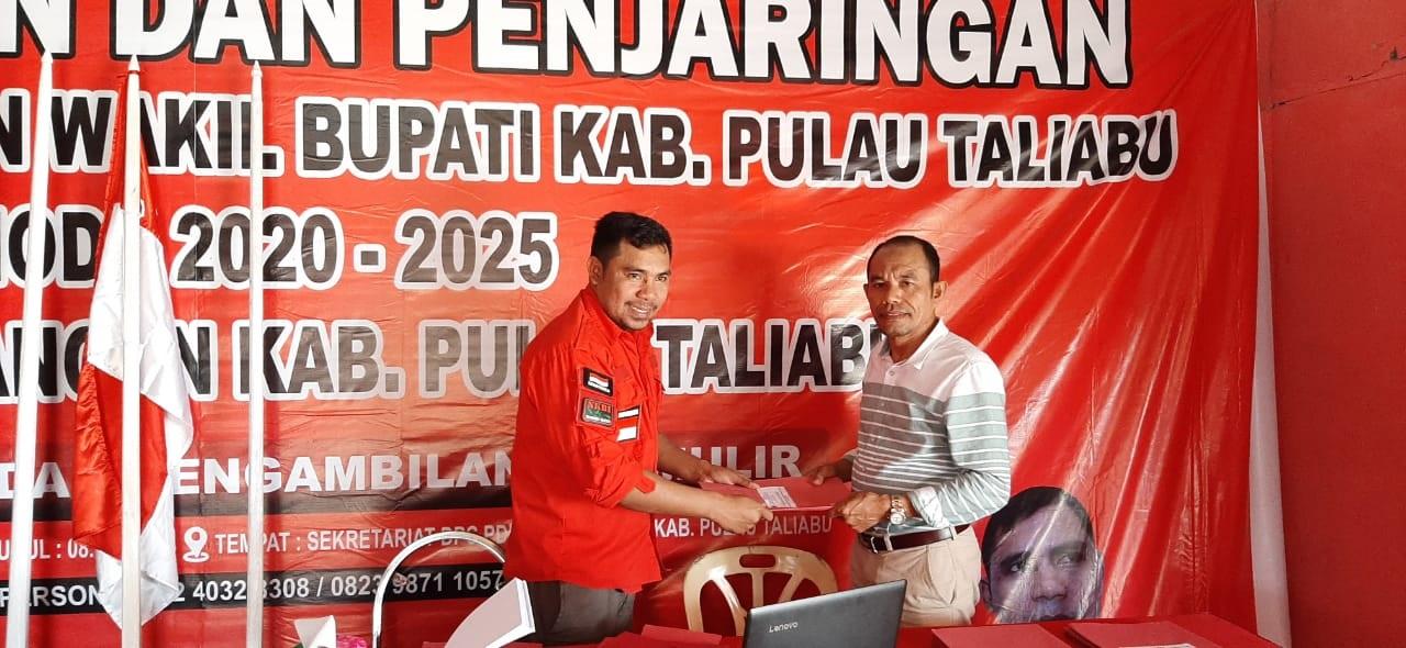 Tim Penjaringan DPC PDIP Taliabu Kembalikan Berkas Lima Balon Kada