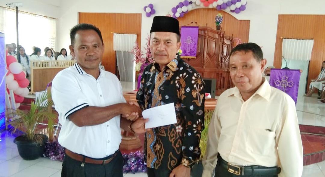 Resmi, Bupati Danny Missy Angkat Kembali Kepala Desa Tedeng